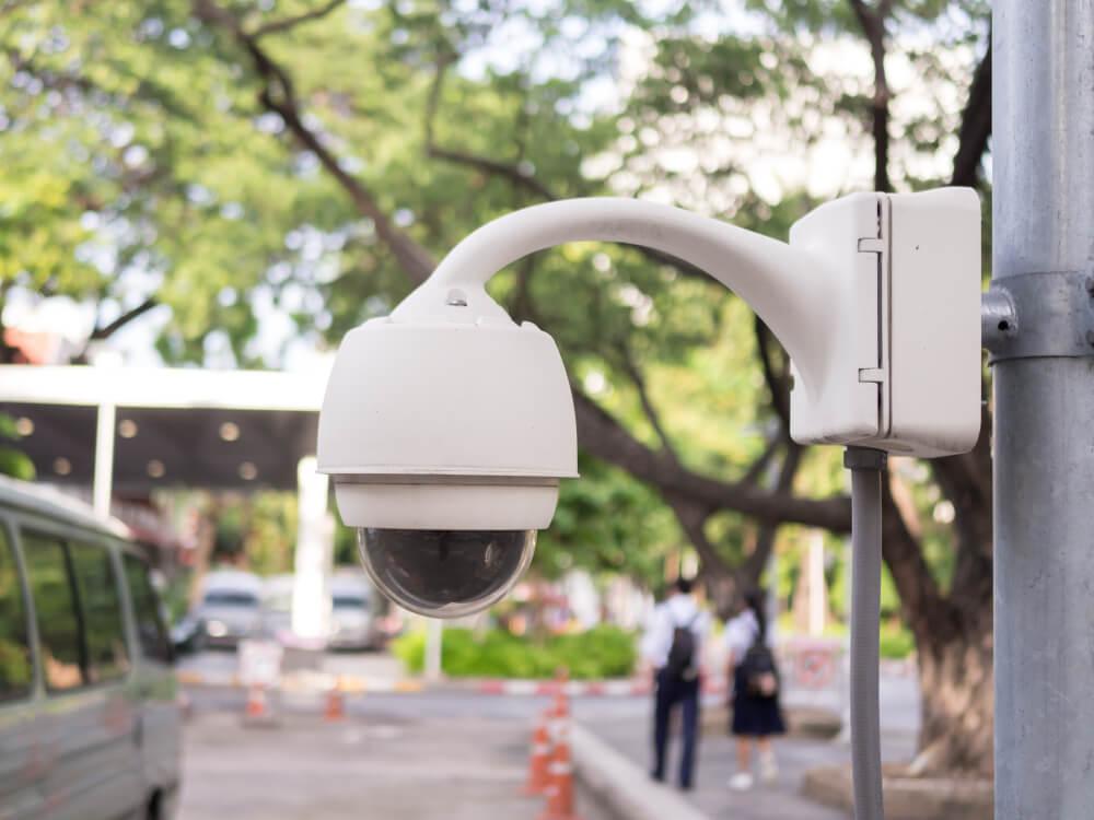 מצלמות אבטחה בבתי ספר